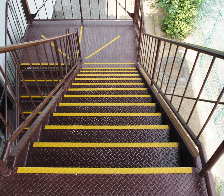 使用例(鉄板階段)